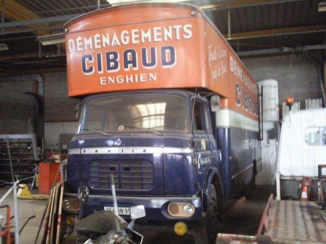 1964 Berliet GBK couchette déménageur