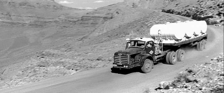 1964 Berliet TBO 15 de Bernard Blier, pris dans le film 100 000 dollars au soleil