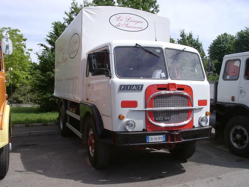 1968 FIAT 682 N4