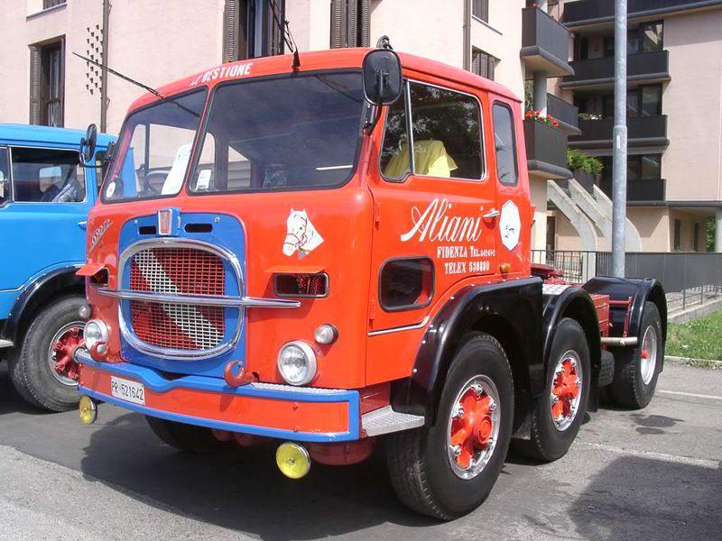 1968 FIAT 690 T2