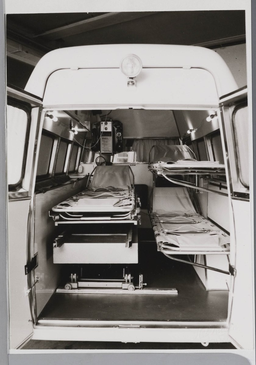 1970 FIAT 238  binnenkant