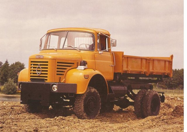 1974 BERLIET L64 8R 4x4 le plus petit des Berliet