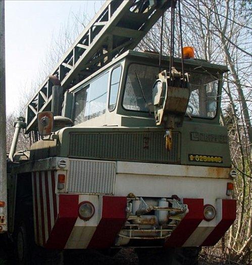 1975 Berliet Griffet-avec-Berliet-300cv-6-cyl