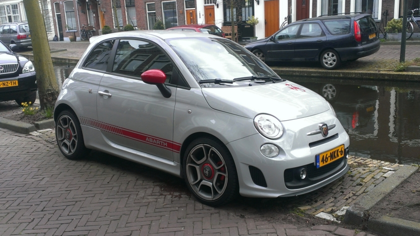 2010 Abarth 500 front