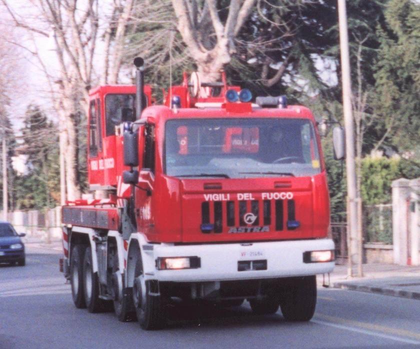 Astra autogrù VVFF Vigili del Fuoco Padova Italy Aprile 2002 f