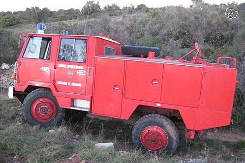 Berliet pompier FF 4x4 double cabine in actie