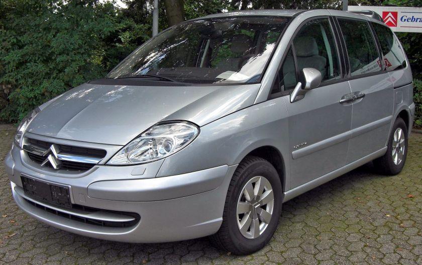 Citroën_C8_front