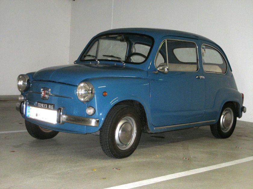 Fiat 600 Blauw