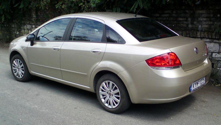 Fiat Linea rear