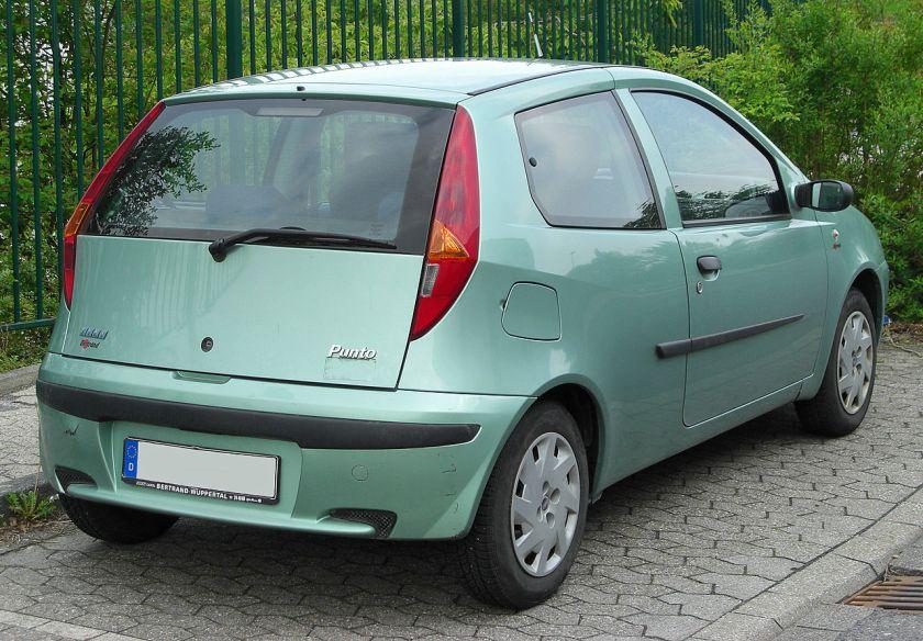 Fiat Punto II rear