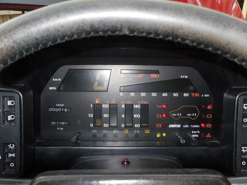 Fiat Uno Turbo i.e. Digital Instrument Cluster