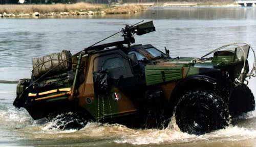 panhard-vbl-01 amphibie voertuig
