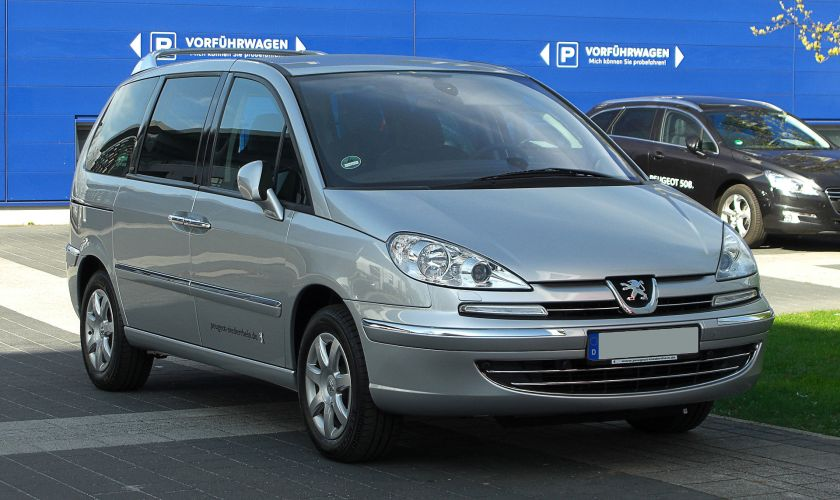 Peugeot_807_HDi_FAP_135_Premium_(Facelift)