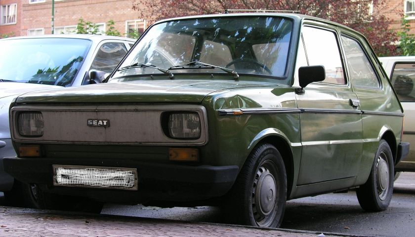 SEAT 133 front