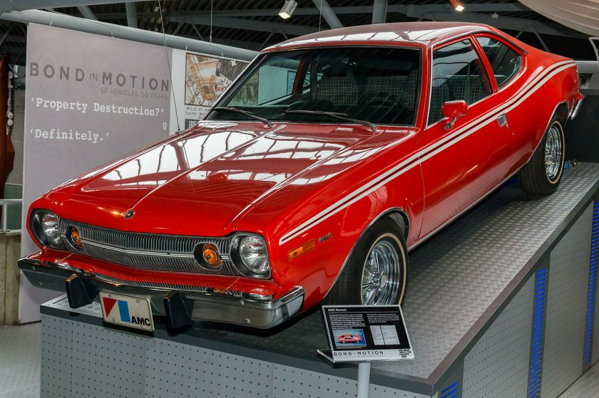 1280px-AMC_Hornet_(1974 Hornet X Hatchback The_Man_with_the_Golden_Gun)_front-left_National_Motor_Museum,_Beaulieu