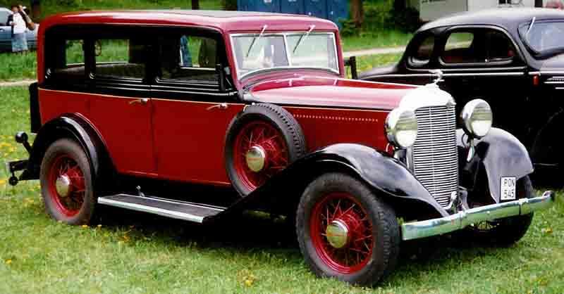 1932 De Soto 4-Door Sedan
