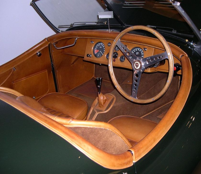 1950 Jaguar XK120 interior