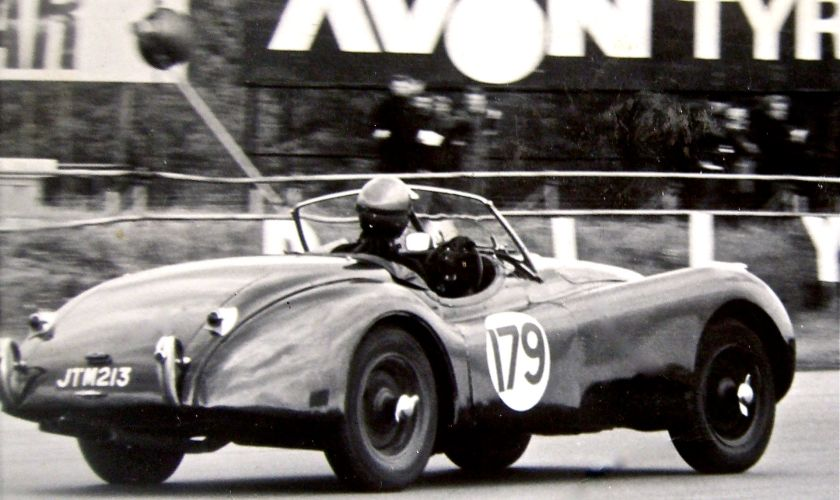 1951 XK120 racing at Silverstone