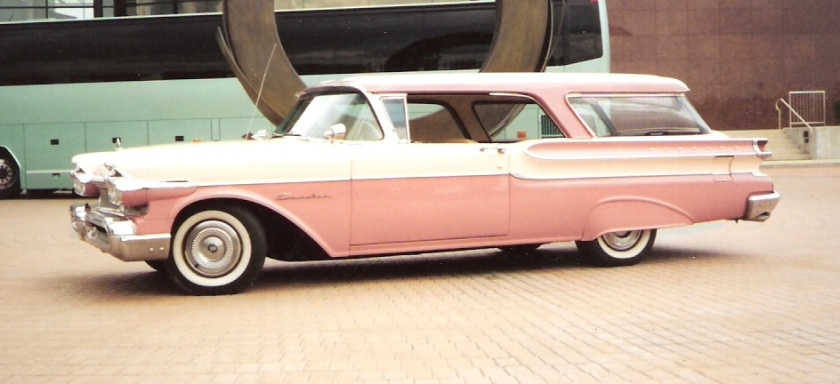 1957 Mercury 2-door Commuter hardtop station wagon