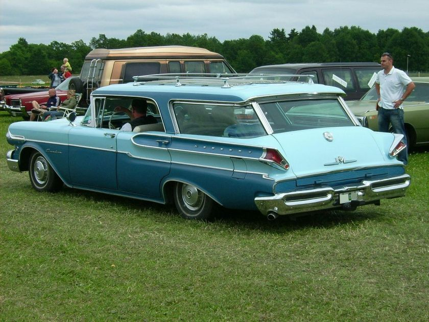 1957 Mercury 4-door Commuter hardtop station wagon rear