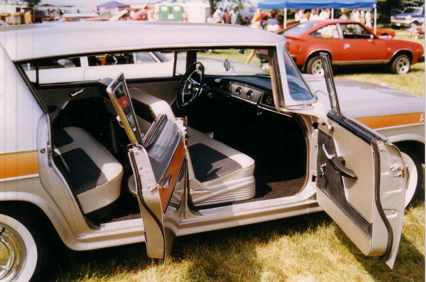 1957_Rambler_Rebel_interior