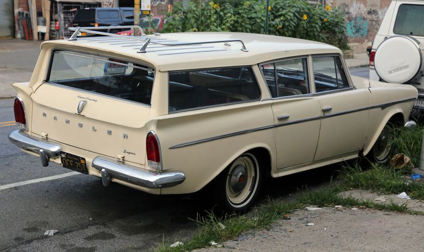 1960 Rambler Super Cross Country, rear view
