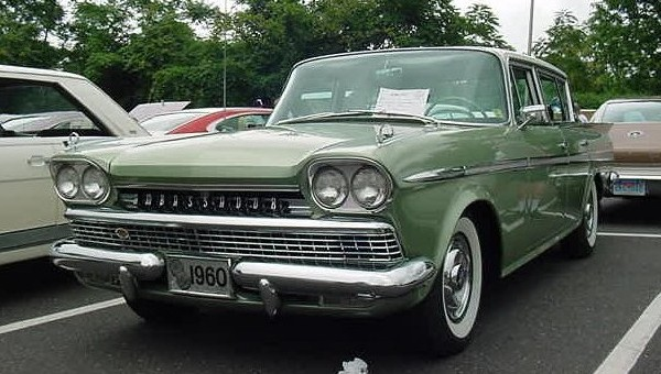 1960_AMC_Rambler_Ambassador_sedan_green_NJ