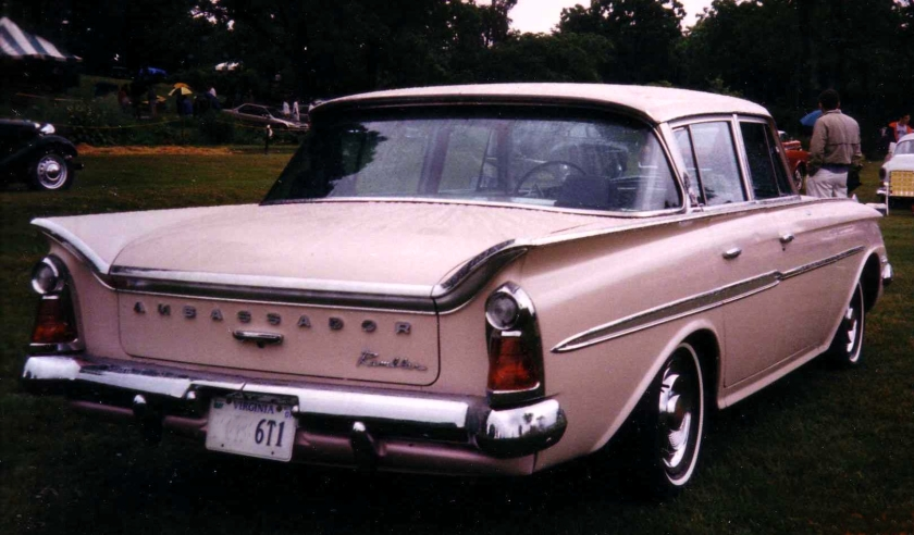 1961_AMC_Rambler_Ambassador_4-door_pink_rear