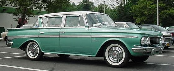 1961_Rambler_Classic_sedan-green