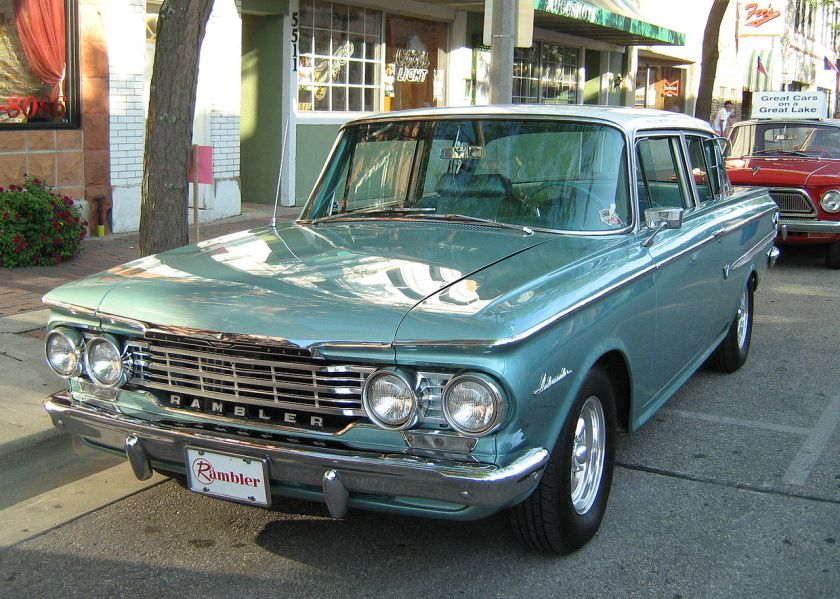 1962_Rambler_Ambassador_2-door_sedan_Kenosha_green-f