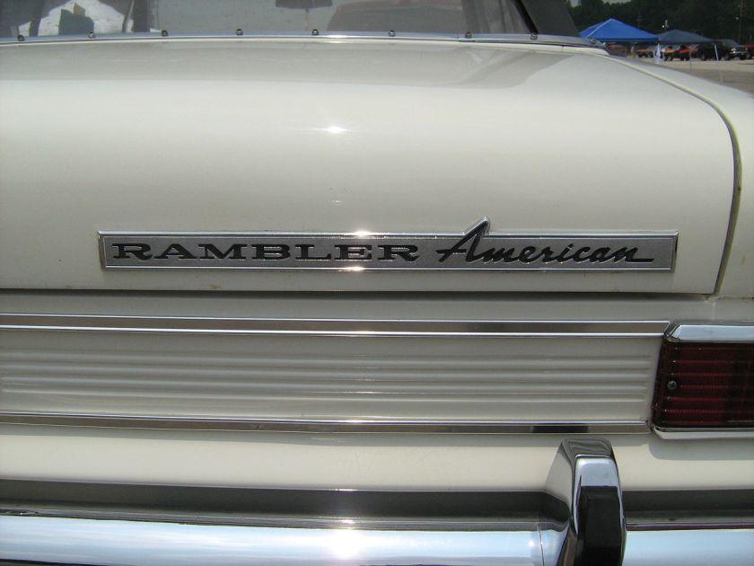1965_Rambler_American_440_convertible_white_mdD-6