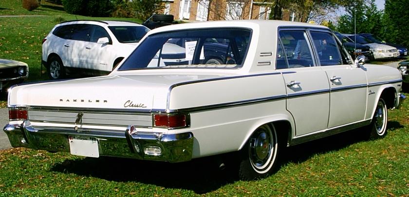 1965_Rambler_Classic_770_4-door_white_umr