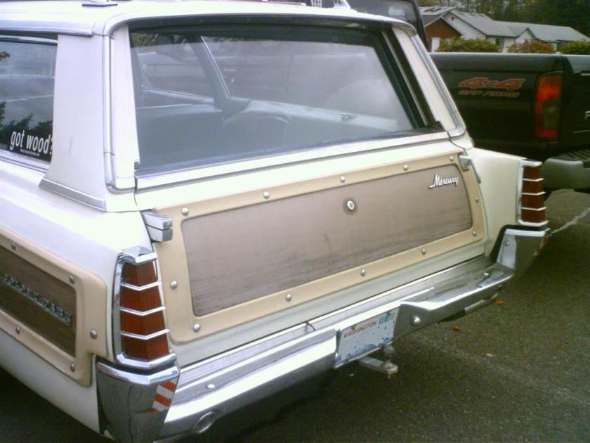1966 Mercury Colony Park with 2-way tailgate with side-swing door handle