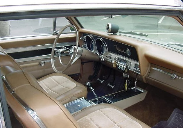 1966_AMC_Marlin_interior_of_a_4-speed_tan