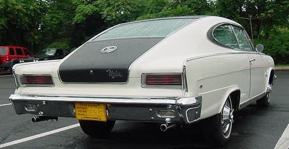 1966_AMC_Marlin_Rear_view_WhiteBlackVinyltop