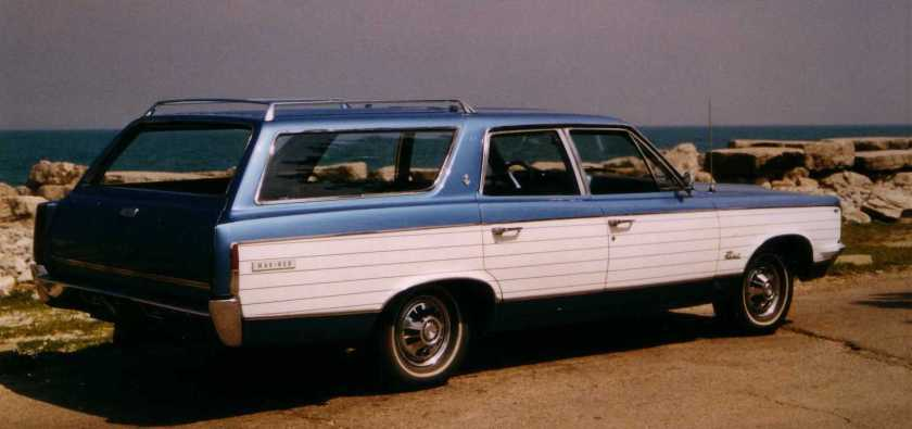 1967_AMC_Rambler_Rebel_station_wagon_Mariner_edition
