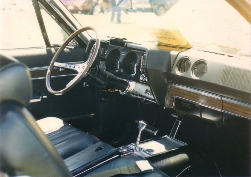 1967_Marlin_black_on_gold_ny-i 1967 luxury and safety oriented interior