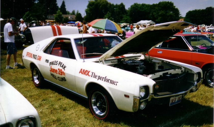1969_AMC_AMX_Pikes_Peak_car_at_Kenosha_show