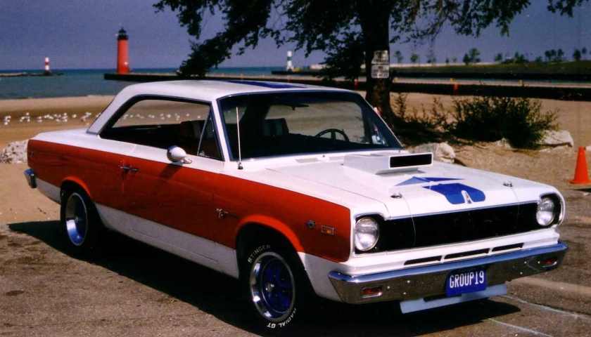 1969_AMC_SC-Rambler_front_Shore-of_Lake_Michigan_in_Kenosha_WI