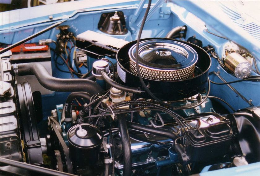 1970_AMC_Javelin_390_CID_Go_Package_engine