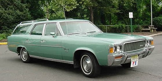 1971_AMC_Ambassador_wagon_green_NJ