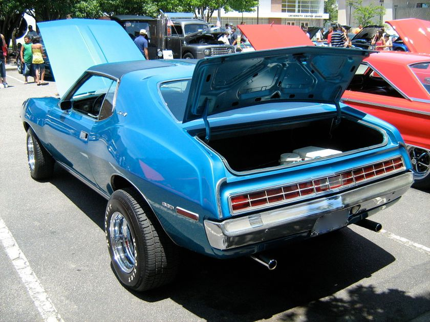 1972_AMC_Javelin_blue_NC-rl
