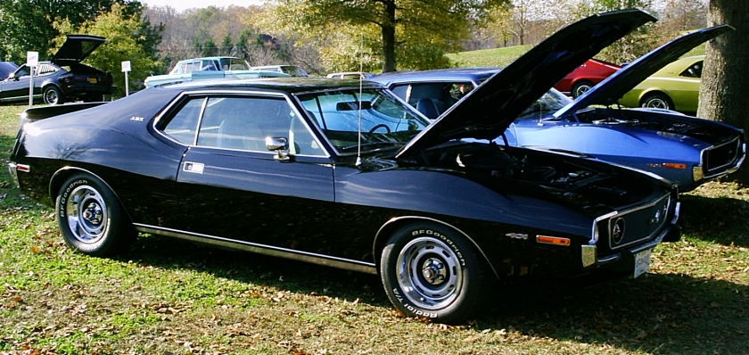 1973_AMC_Javelin_AMX_black_401_um-side