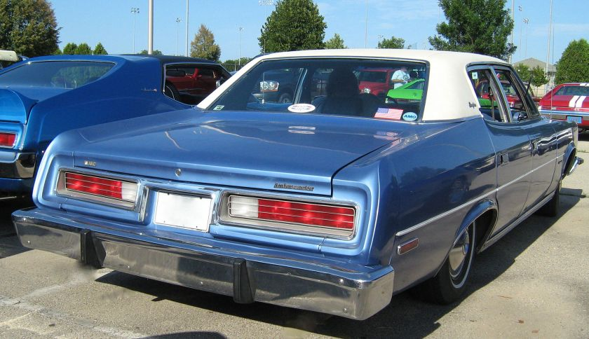 1974_AMC_Ambassador_sedan_blue-white_Kenosha-r