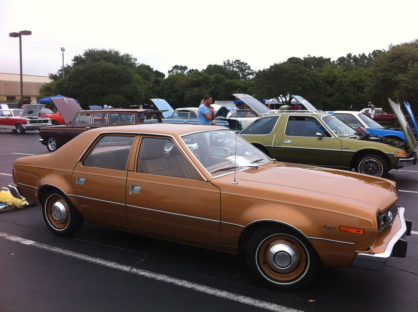 1974_AMC_Hornet_4-door_-_base_model_2014-AMO-NC_1