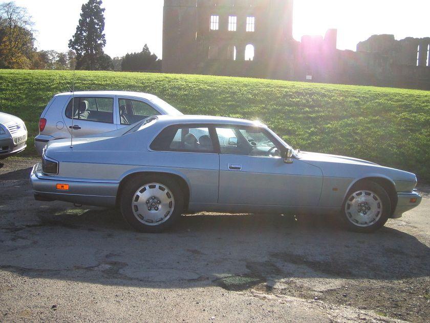 1996 Jaguar Facelift (post-1991) XJS in profile view note revised side windows