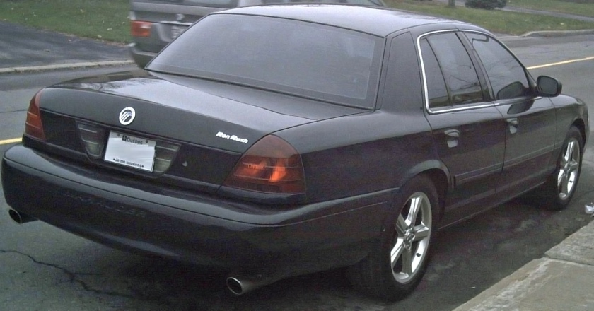 2003-04 Mercury Marauder, rear ¾ view