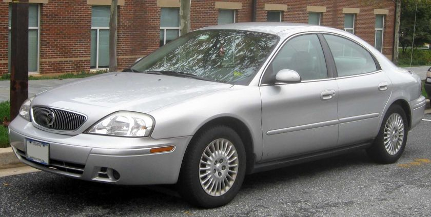 2004–2005 Mercury Sable GS sedan