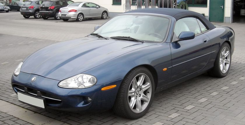 2009 Jaguar X100 Convertible front