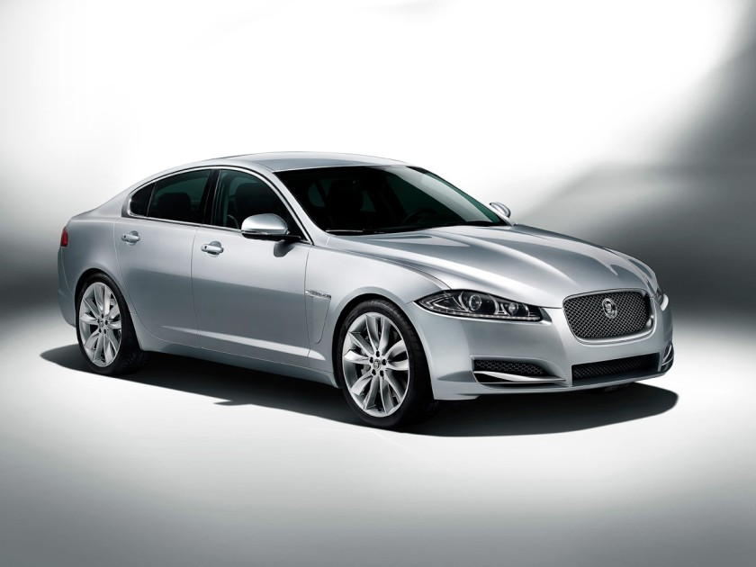 2012 Jaguar-XF-studio